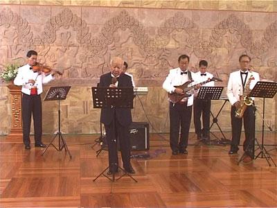http://norodomsihanouk.info/All/singing/Image/Amour-sans-espoir.jpg