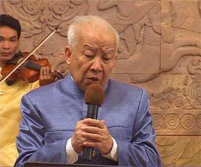 https://www.norodomsihanouk.info/All/singing/Image/sakrava.jpg