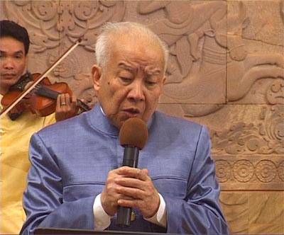 http://norodomsihanouk.info/All/singing/Image/sakrava.jpg